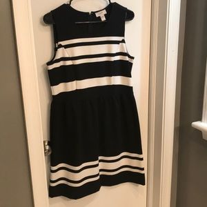 Loft size 8 black and white dress